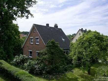 Einfamilienhaus mit zusätzlichem Baugrundstück