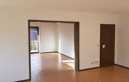 Erstbezug nach Sanierung mit Balkon: ansprechende 3-Zimmer-Wohnung in Landau