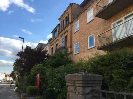 Nette 1-Zimmer-Wohnung mit Balkon im Herzen von Neustadt