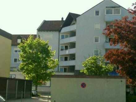 Gepflegte 2-Zimmer-Wohnung mit Balkon in Weiden in der Oberpfalz, Hammerweg