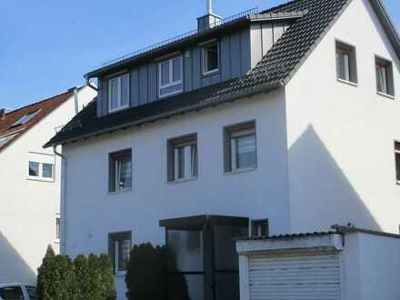 Wunderschön renoviertes 2-3 Familienhaus - wie Neubau - 2 Küchen - Garage - 5 KFZ-Plätze- Terrasse -