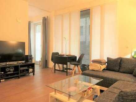 Attraktive 2 Zimmer im Wohnhof mit großer Terrasse und Einbauküche