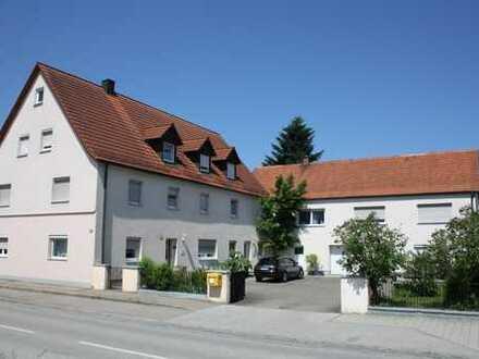 Schöne, geräumige zwei Zimmer Wohnung in Ernsgaden bei Ingolstadt (10 km) für 14 Monate zu vermieten