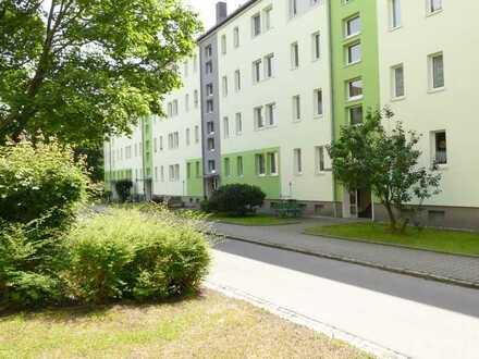 Kleines Nest mit 2 Zimmern/ Küche /Bad /Balkon für Neustarter