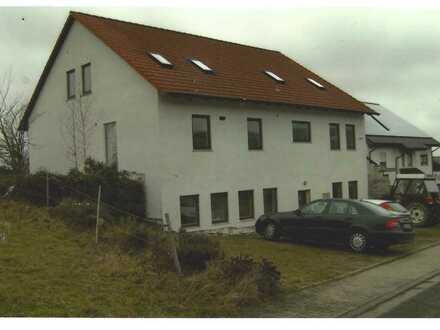 Teilsaniertes 3 Familienhaus