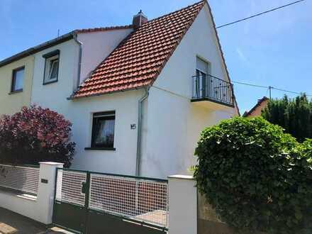 Schöne Doppelhaushälfte in Pfeddersheim