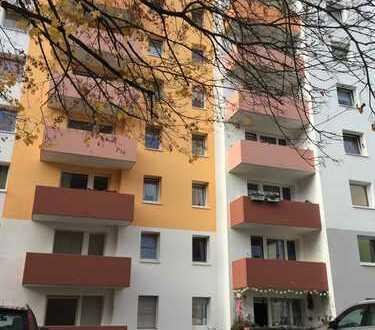 Wunderschöne Frisch Sanierte 3 Zimmer Wohnung auch- WG- für Studenten- geeignet / Provisionsfrei
