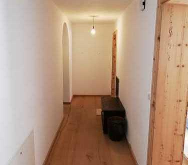 Exklusive, neuwertige 4-Zimmer-Erdgeschosswohnung mit Terrasse und EBK in Rottach-Egern