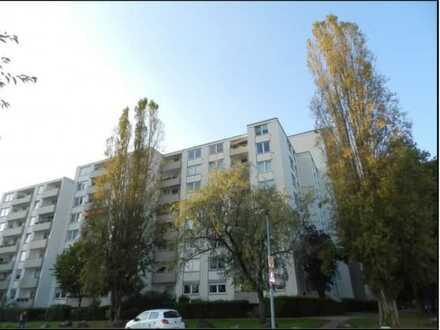 Stilvolle 3-Zimmer-Wohnung mit Balkon und EBK in Porz, Köln