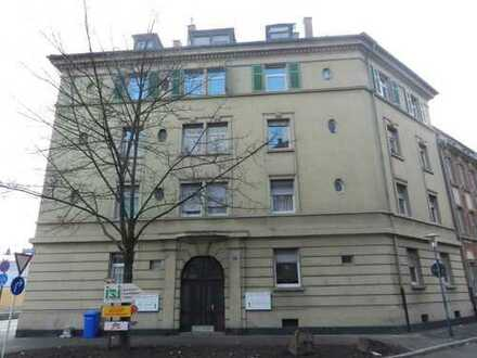 wunderschöne DG-Wohnung, Kernsaniert 2016,4 ZKB in Ludwigshafen Süd