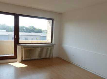 - Wohnen in der Neustadt - schöne 2-Zimmer Whg. mit zwei Balkonen und einer EBK -