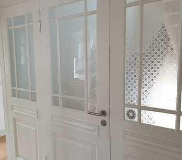 Helle 3-Zimmerwohnung in denkmalgeschützter Immobilie in ruhiger Innenstadtlage