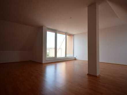 individuelle 3-Raum-DG-Wohnung*offene Küche*Dachterrasse*Tageslichtbad*AK*Stellpl. mögl.