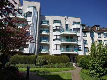 Exklusive, geräumige und gepflegte 1-Zimmer-Wohnung mit Balkon.
