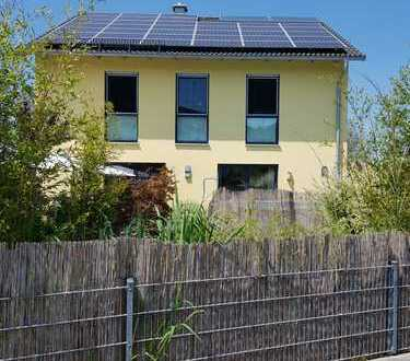 Schönes freistehendes Einfamilienhaus mit 5 Zimmern in Adelsried