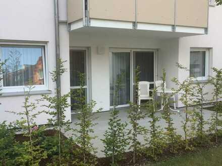 Neuwertige 2-Raum-Terrassenwohnung mit Balkon und Einbauküche in Warthausen