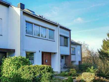 Reihenmittelhaus mit Vollkeller und Büro/Studio im Dachgeschoss