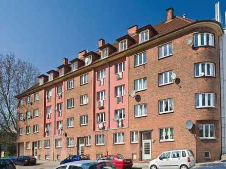 Erstbezug, umfassend modernisiert, Einbauküche, Balkon
