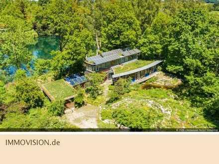 Autarkes Niedrigenergie-Architektenhaus mit eigenen Weihern