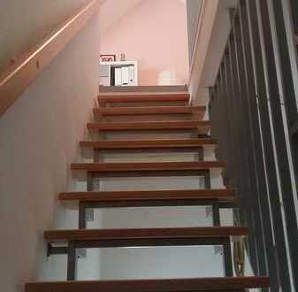 Exklusive, gepflegte 4-Zimmer-Maisonette-Wohnung mit Loggia Balkon EBK in Rhein-Neckar-Kreis