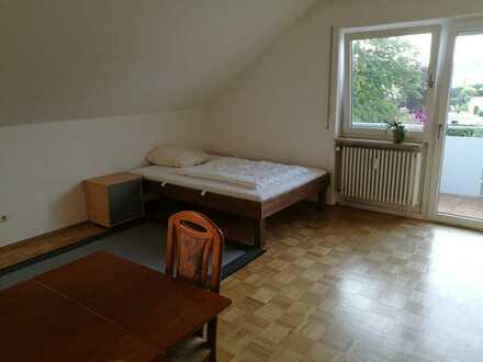 Gepflegte 1-Zimmer-Dachgeschosswohnung mit Balkon und EBK in Kressbronn am Bodensee