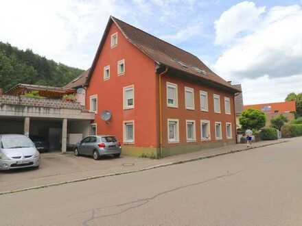 Große 6-Zimmer Wohnung mit Dachterrasse und Carport in Schopfheim-Fahrnau