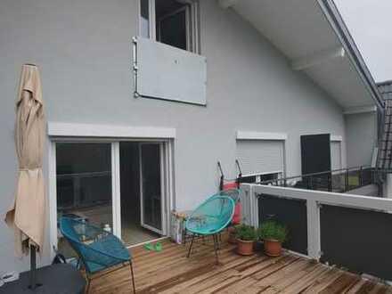 Ich Adrian suche noch einen Mitbewohner für meine 133qm Wohnung in d Bad Wildbad. Großer Balkon