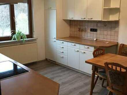 Ruhig gelegene 3 Zimmer Wohnung in einem Zweifamilienhaus am Ortsrand von Stein zu vermieten