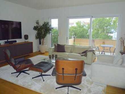 Moderne Architektur – lichtdurchflutete Räume – exklusive Ausstattung - Sonnenbalkon mit Grünblick
