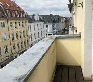 Helle Single-Wohnung mit Balkon in Sülz