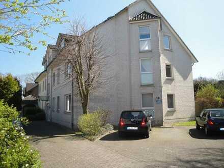 Großzügige 4 Zimmer Erdgeschoss-Wohnung mit KFZ-Stellplatz!