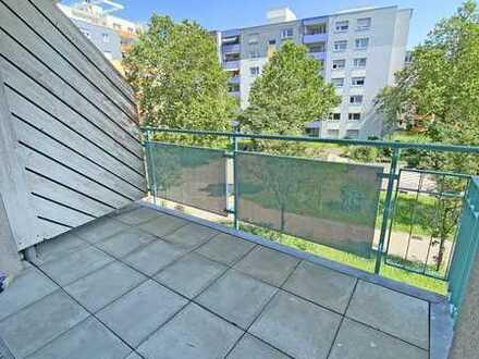 6386 - Ruhig und dennoch sehr zentral - 2-Zimmerwohnung mit großem Balkon!
