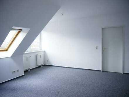 Frisch renovierte Dachgeschosswohnung zu vermieten!