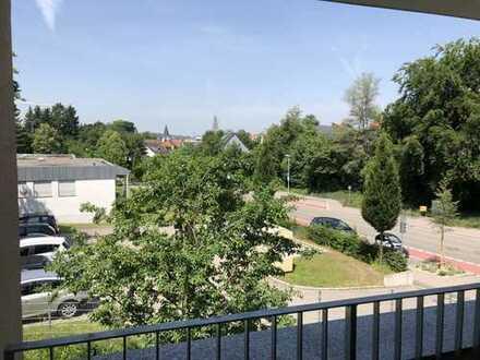 Sonnige zwei Zimmer Wohnung mit Balkon in Pfaffenhofen an der Ilm (Kreis), Pfaffenhofen an der Ilm