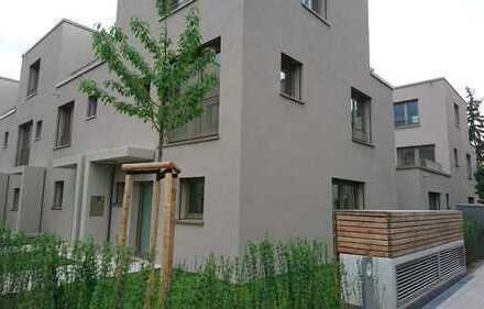 Wohnen mit Flair: Reiheneckhaus auf Turley mit Dachterrasse in Mannheimer Top-Lage
