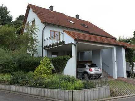 Schönes Haus mit fünf Zimmern in Kitzingen (Kreis), Kitzingen