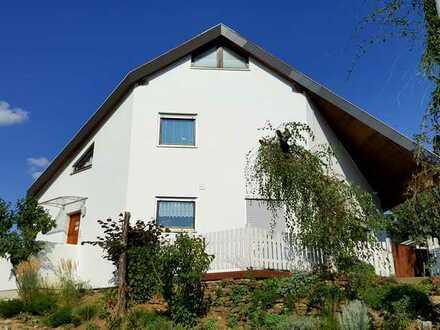 Gepflegte 5-Zimmer-Doppelhaushälfte mit EBK in Wannweil, Wannweil