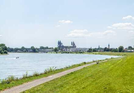 Reichlich Platz für die ganze Familie - mehr als 140qm große 4-Zimmer-Wohnung mit Loggia zum Fluss