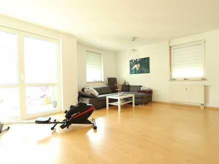 Bayreuth-City! Ansprechende 3-Zimmer-Wohnung mit Wintergarten und Einbauküche - frei ab 1.8.2021