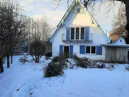 Charmantes Einfamilienhäuschen mit Erweiterungspotenzial und gr. Grundstück in Althegnenberg