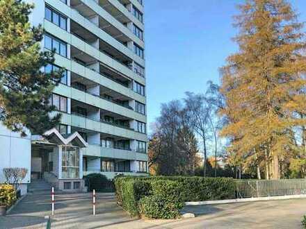 Großzügige 4-Zimmer Etagenwohnung, zwei Balkone, 2 PKW-Stellplätze, zentral gelegen, provisionsfrei