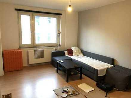 ***INNENSTADT-WEST-Renovierte Wohnung mit Laminat, Fliesen, Duschbad & EBK möglich***