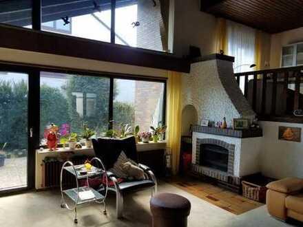 Beste Lage - Schönes Haus mit fünf Zimmern in Kaiserslautern, Erfenbach - provisionsfrei