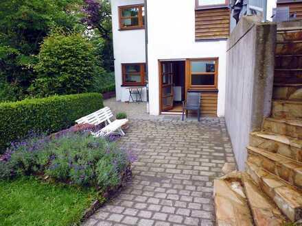 Renovierte 2-Zimmer Einliegerwohnung mit eigenem Eingang + Terrasse