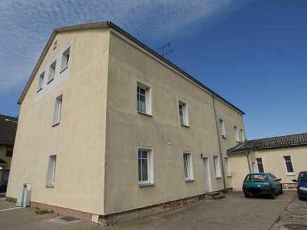 Saniertes Mehrfamilienhaus mit 8 WE in zentraler Kleinstadtlage östlich von Berlin!