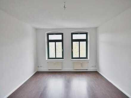Schöne 2-Raum-Wohnung mit Aufzug im Haus!