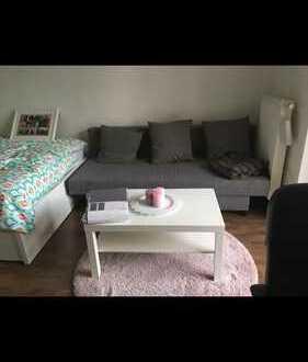 Schönes, zentrales, 16 m2 Zimmer mit Balkon, in Bonner Weststadt, frei ab 01.08