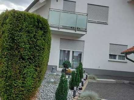 3-Zimmer Wohnung in Zweifamilienhaus auf zwei Ebenen mit Terasse in Heilbronn-Bibeberach