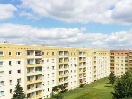 Schöne 3 Zi-Wohnung mit saniertem Bad und Balkon!
