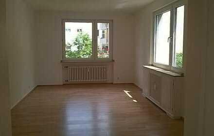 Modernisierte, helle 3-Zimmer-Wohnung mit Balkon in Lindenthal